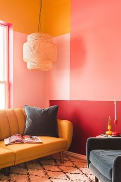 Colorblock guest room makeover with Behr. Colorblock guest room makeover with Behr - The House That Lars Built. This post is sponsored by Behr. All opinions are my own. Boho Living Room Decor, Living Room Interior, Bedroom Decor, Decor Room, Red Living Rooms, Coral Walls Bedroom, Interior Walls, Behr, Living Room Inspiration