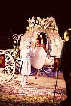 Yes please:) everyone wants to be cinderella on their wedding day!