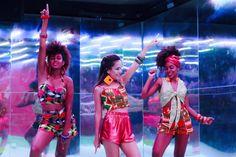 Moda Africana inspirada nos anos 70 e 80.