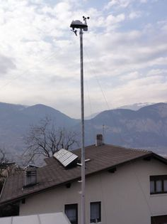 Davis Vantage Vue - Located near a suburban house's roof in Italy