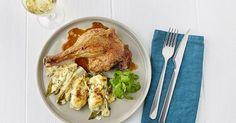 Ovengebakken eendenbout met gratin van witloof en hazelnoten Slow Cooker, Chicken, Drinks, Food, Gratin, Beverages, Crock Pot, Essen, Drink