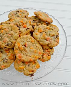 Easy Pumpkin Chip cookies with chocolate in them using Nestle Toll House new Pumpkin Spice chips!