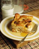 Old Fashioned Southern Bread Pudding-----(I omit the raisins, increase the sugar to of a cup and choose to use nutmeg-----Delicious Old Time treat) Recipes With Egg And Milk, Milk Recipes, Pudding Recipes, Sweet Recipes, Dessert Recipes, Cooking Recipes, Pudding Desserts, Bread Pudding With Raisins Recipe, Raisin Bread Pudding