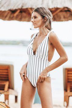 Cupshe Quiet Elegance Stripe One-piece Swimsuit