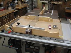 cross-cut sled - by Robsshop @ LumberJocks.com ~ woodworking community