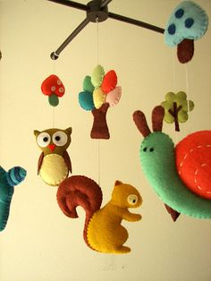 so many precious animals in this one! Baby crib mobile forest mobile animal mobile  felt by Feltnjoy, $95.00