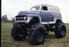 Like a mock Grave Digger monster truck, only it's a 1950 Ford MONSTER Panel Truck ! Diesel Trucks, Cool Trucks, Pickup Trucks, Ford Diesel, Pick Up, Monster Trucks, Monster Jam, Vanz, Lifted Cars