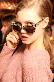 Leopard skinned sunglasses looking awesome!