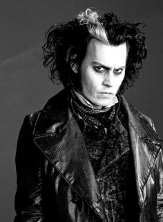 Sweeney Todd Movie - Johnny Depp - Costume designed by Colleen Atwood Johnny Depp Characters, Tim Burton Characters, Tim Burton Films, Johnny Depp Movies, Fictional Characters, Jack Sparrow, Stanley Kubrick, Johnny Depp Quotes, Donnie Brasco