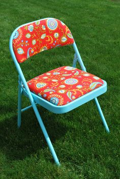 Folding chair makeover - would love to score some old folding chairs and then do this for when lots of people are over!