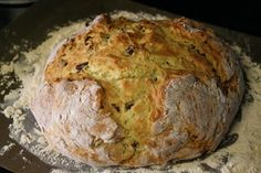 Irish Soda Bread with Buttermilk and Raisins is a favorite St. The buttermilk delivers a subtle tang that is absolutely delicious. Traditional Irish Soda Bread, Cream Of Potato Soup, Irish Recipes, Pub Recipes, Scottish Recipes, Muffin Recipes, Bread Recipes, Pub Food, Corn Beef And Cabbage