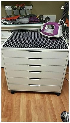 Sewing Room Design, Sewing Room Storage, Sewing Room Organization, Ikea Storage, Craft Room Storage, Storage Ideas, Ikea Sewing Rooms, Organizing Sewing Rooms, Sewing Closet