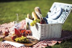 Let #PentagonCity plan the perfect picnic around the Cherry Blossoms when warm weather hits! http://www.ritzcarlton.com/en/Properties/PentagonCity/Reservations/Packages/Detail/Blossoming-Adventures-Package.htm …