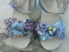 Scarpe trattate con glitter della To - Do e fiori realizzati con la tecnica del Sospeso Trasparente