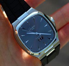Glashütte Original Seventies Panorama Date Amazing Watches, Beautiful Watches, Cool Watches, Men's Watches, Latest Watches, Male Watches, Estilo James Bond, Gentleman Watch, Mens Fashion Wear