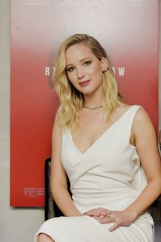 For 'Red Sparrow,' Jennifer Lawrence Had To Be Toe-tally Prepared - Hollywood Outbreak Jennifer Lawrence Red Sparrow, Jennifer Lawrence Hot, Jennifer Lawrence Instagram, Red Sparrow Movie, Glamour, Celebs, Celebrities, Hollywood Actresses, Pretty Woman