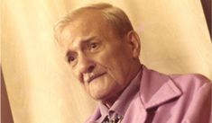 Milton Erickson http://www.famouspsychologists.org/milton-erickson/