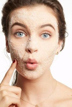 15 Simple Tricks to Get Clear Skin Overnight-If you are pressed for time and are looking for options to get glowing skin overnight, here are a 13 tried and true ways to get your best skin ASAP! Hair And Beauty, Beauty Skin, Beauty Style, Pele Natural, Natural Skin, Natural Beauty, Beauty Secrets, Beauty Hacks, Beauty Tips