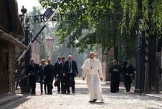 Oświęcim, Poland Pope Francis enters the former Nazi concentration and camp of Auschwitz-Birkenau Panda Party, Picture Editor, Pope Francis, Photos Of The Week, S Pic, Light And Shadow, The Guardian, Cool Photos, Around The Worlds