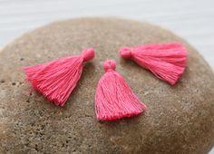 Mini Tassels, 5 Pieces Tiny Pink Tassels - Cotton Tassels - PS032