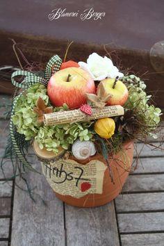 Big The post Herbstdeko Ideen Types Of Flower Arrangement, Fall Flower Arrangements, Deco Floral, Arte Floral, Fall Home Decor, Autumn Home, Fall Flowers, Diy Flowers, Fall Crafts