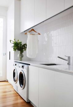 Garage Laundry, Mudroom Laundry Room, Laundry In Bathroom, White Laundry Rooms, Modern Laundry Rooms, Laundry Room Inspiration, Melbourne House, House Inside, Laundry Room Design