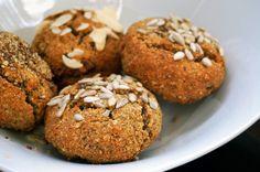 Paleo Weckerl ohne Mehl, Milch und Zucker | Glutenfreies Brotrezept ohne Getreide und Zucker