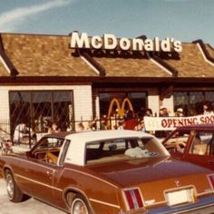 aesthetic mcdonalds Image about vintage in Stores by A🌊 on We Heart It 70s Aesthetic, Aesthetic Vintage, Aesthetic Photo, Aesthetic Pictures, Mcdonalds, Images Murales, Images Esthétiques, Photo Wall Collage, Vintage Photography