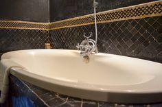 Salle de bain du Riad Fés. Maroc. Riad Fes, Le Riad, Sink, Home Decor, Morocco, Bath, Sink Tops, Vessel Sink, Decoration Home