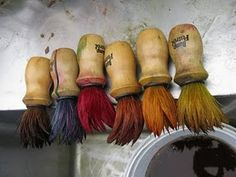 dye brush garland (could also make one from vintage shaving brushes) Paint Brush Art, Paint Brushes, Brooms And Brushes, Mark Making, Art Studios, Fiber Art, Art Supplies, Collections, Diy Printing