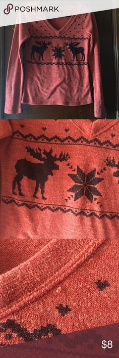 Orange tres bien sweater size small Very cute Orange and black tres bien thin sweater . Only flaw is seen in 3rd pic. dosent have a size tag but for me when I was a small Tres Bien Sweaters V-Necks