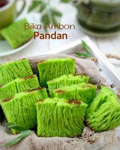 Indonesian Desserts, Asian Desserts, Indonesian Food, Asian Recipes, Ethnic Recipes, Malaysian Dessert, Honeycomb Cake, Asian Cake, Cooking Cookies