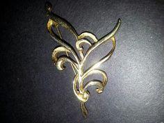 Vintage leaf brooch stamped Hollywood by SarahJVintage on Etsy, £5.00