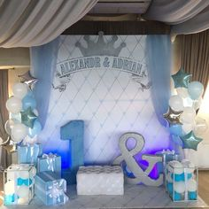 Our goal is to keep old friends, ex-classmates, neighbors and colleagues in touch. Baptism Cake Pops, Photo Booth, Balloons, Happy Birthday, Baby Shower, Babies, Party, Wedding, Color