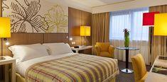 Chambre Deluxe avec lit double et vue sur le lac à l'hôtel Pullman Bordeaux Lac | France   #France #Aquitaine #Bordeaux #Hotel  #Chambre #Bedroom