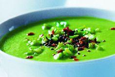 Jemná chřestová polévka | Apetitonline.cz Pickles, Soup, Ethnic Recipes, Soups, Pickle, Pickling