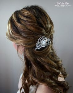 The Talia Rhinestone Hair Comb Selah Vie Hair and Makeup Artistry has recently opened our online shop selling a wide variety of Bridal Ribbon Hairbands, Bridal Headbands & Rhinstone Hair Combs. Selah Vie also offers the option to CUSTOM ORDER a hair piece or belt that best suits you! Prices vary and are available to buy online at www.selahvie.ca #Hair #Bridal #photoshoot #BridalHair #BridalBling #HairBling #Rhinestones #Haircombs #Bling #Pictureperfect #Beauty #LoveYourself #londonON #ldnont