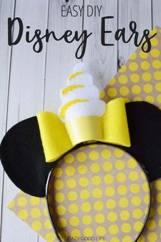 Disney Parks are great places to visit for the whole family, but bringing the whole family can get a bit costly. Instead of buying ears at the parks, make your own DIY Mickey ears at home! Diy Disney Ears, Disney Mickey Ears, Disney Diy, Disney Crafts, Disney Stuff, Cool Diy Projects, Craft Projects, Disney Printables, Amazing Crafts