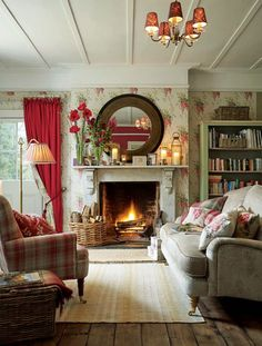 Having small living room can be one of all your problem about decoration home. To solve that, you will create the illusion of a larger space and painting your small living room with bright colors c… English Living Rooms, French Country Living Room, Cottage Living Rooms, Small Living Rooms, Home And Living, Living Room Designs, Country French, Cottage House, Small Bedrooms
