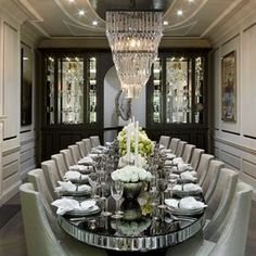 London House Design by Cocovara Interiors! Dining room ideas Modern Dining Chairs Interior design ideas #londoninteriordesign #interiordesigntips #housedecor Find more inspirations in :http://www.brabbu.com/en/inspiration-and-ideas/
