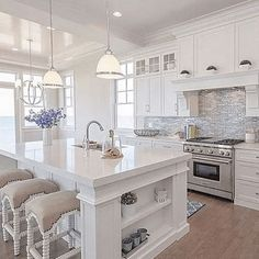 Luxury Kitchens Stunning Luxury White Kitchen Design Ideas 23 - White kitchen cabinets are a versatile choice for the kitchen of every house. When it comes to cabinets, they are […] Beautiful Kitchen Designs, Beautiful Kitchens, White Kitchen Designs, Home Decor Kitchen, Kitchen Interior, Kitchen Ideas, Kitchen Inspiration, Diy Kitchen, Kitchen Layout