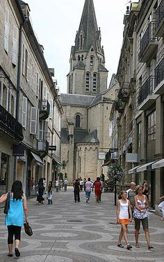 Have been on this street lots shopping! My place of birth Brive La Gaillarde,France <3