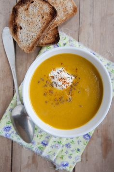 3_veloute_de_carottes Whole 30 Dessert, Soup Recipes, Healthy Recipes, Healthy Eats, Good Food, Yummy Food, Light Recipes, Soup And Salad, My Favorite Food