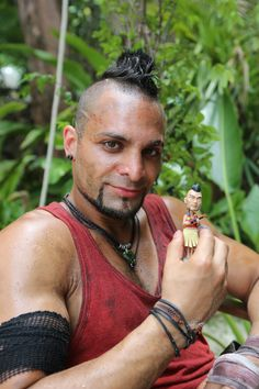 Michael Mando as Vaas Montenegro
