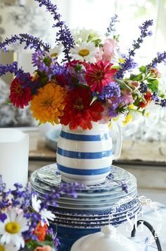 TIPS FOR ARRANGING GARDEN FLOWERS Want to keep garden flowers from wilting? Here's how!