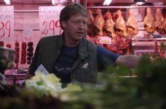 comprando en el Mercado Central