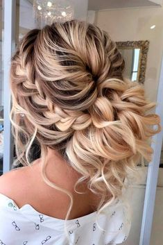 What's the Difference Between a Bun and a Chignon? - How to Do a Chignon Bun – Easy Chignon Hair Tutorial - The Trending Hairstyle Boho Wedding Hair Updo, Braided Prom Hair, Prom Hairstyles For Long Hair, Wedding Hairstyles For Long Hair, Box Braids Hairstyles, Wedding Hair And Makeup, Bride Hairstyles, Braided Updo, Chignon Hairstyle