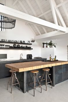 Moderne modulopbygget køkkendesign til at se absolut - Joanna Kitchen Interior, New Kitchen, Kitchen Decor, Kitchen Walls, Concrete Kitchen Floor, Kitchen Ideas, Kitchen Wood, Kitchen Sink, Kitchen Island