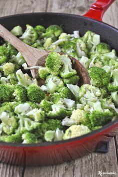 Κοχύλια με μπρόκολο & σάλτσα τυριών / Pasta shells with gorgonzola & broccoli Broccoli, Pasta, Vegetables, Food, Essen, Vegetable Recipes, Meals, Yemek, Veggies