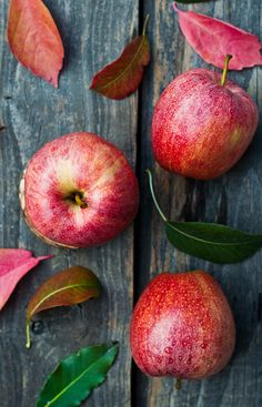 Apples are one of those fruits people have forgotten have a season. But they do, and in the Northern Hemisphere they're harvested late summer through fall. They're a good source of Dietary Fiber and Vitamin C.